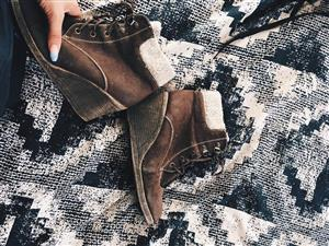 Brown Suede leather winter shoes