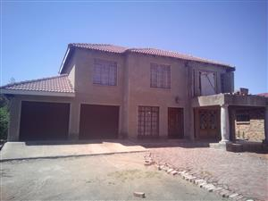 3 BEDROOMS HOUSE FOR SALE R420 000.00 DAMONSVILLE BRITS CALL QUINTON @ 0723325794 / 0127000100 FOR MORE INFO
