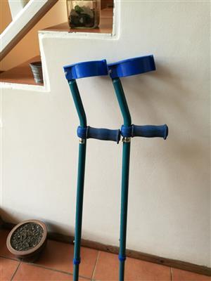 Crutches for sale ( max 120 kg)