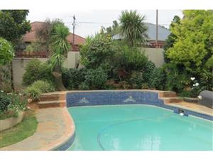 cool down with this swimming pool deals