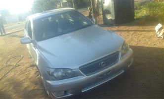 2000 Lexus IS 200t E
