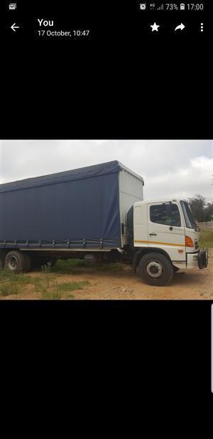 Curtain side truck 8 ton