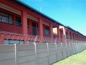 Krugerdorp. 2 Bedroom flat to let. Only R 4600 per month.