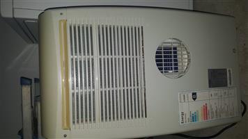 Logic lpv09hp portable aircon for sale