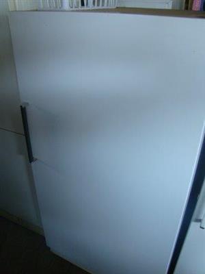 GE  445L Upright Freezer