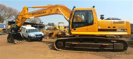 Hyundai R290 Excavator - 29 Ton