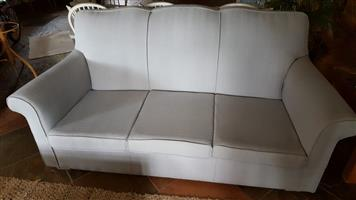 LOUNGE COUCH 3 SEATER