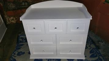 Chest of Drawers Item Code: KY 07   Price: R3999,00