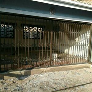 security slam lock gates