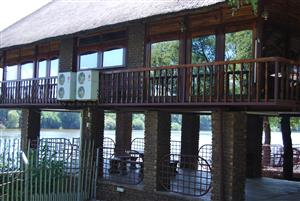 Stunning Farm Lodge for Sale on Vaal River – Location – This is your Freedom to a new lifestile!