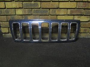 GRILLES- JEEP CHEROKEE/ RENEGADE 2004