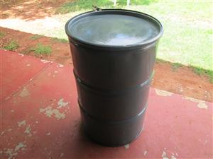 210 L steel drums with watertight seal lid. R 250 each.
