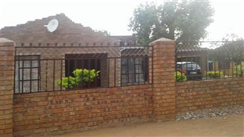 3 BEDROOMS FOR SALE IN HAMMANSKRAAL RAMAPHOSA VILLAGE R250 000.00 CALL 0760813571