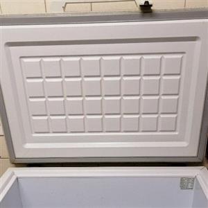 chest freezer 220l