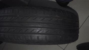 175/65 R14 apollo tyre with Hyundai wheel cap