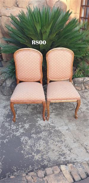 2 x Classique Vintage Chairs