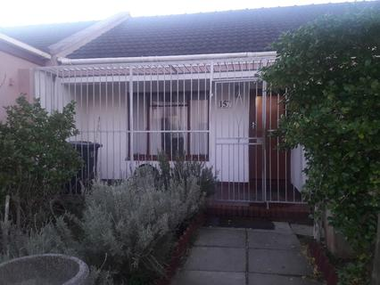 House For Sale in Strandfontein