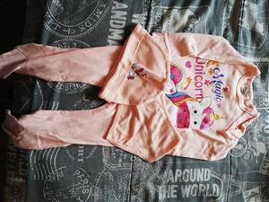 Peach magic unicorn onesie en mussie