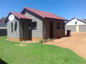 Beautiful 2 bed room house in Ormonde view