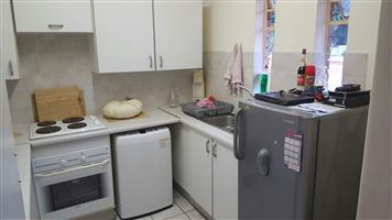 2 Bedroom, 1 Bathroom, 1st floor unit to rent in Faerie Glen