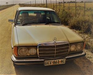 1981 Mercedes Benz Diesel 300D W123 Manual