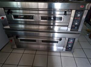 """Gas Deck Oven – 1 Deck 3 Trays Description This Oven is gas fired with a capacity of 3 trays. It can be stacked one above the other upto 3 ovens. Each oven is called as Deck, hence the name """"Gas Deck Oven"""". This oven is Single deck with a capacity of  3 trays per deck."""