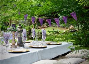 Picnic & indoor small wedding venue