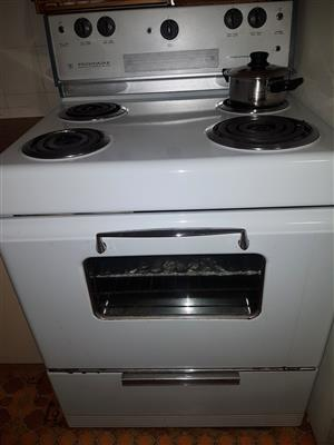 Classic Fridgidaire stove for sale...
