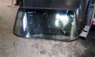 RENAULT 5 FRONT WINDSCREEN - USED GLOBAL