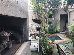 Furnished garden cottage batchlor