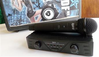Hybrid Wireless Mic with Receiver - (BEST BUY)