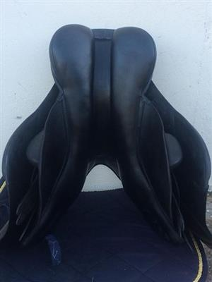 17.5 inch JC Saphir Jumping Saddle
