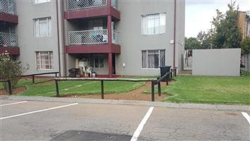 Excellently Located Flat in Sought After Complex,Oakwood Complex ,Benoni