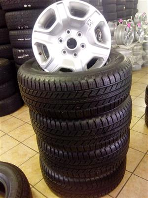 Ford ranger 17 inch with 265/65/17 Goodyear Wrangler new tyres R9500 x4.