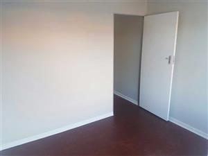 Windsor East 2bedrooms, bathroom, kitchen, lounge, near Cresta Shopping Centre