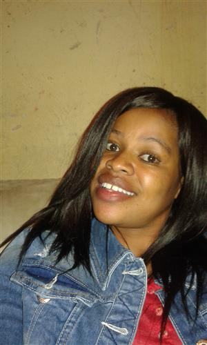 SA cleaner/housekeeper with refs needs stay in work.