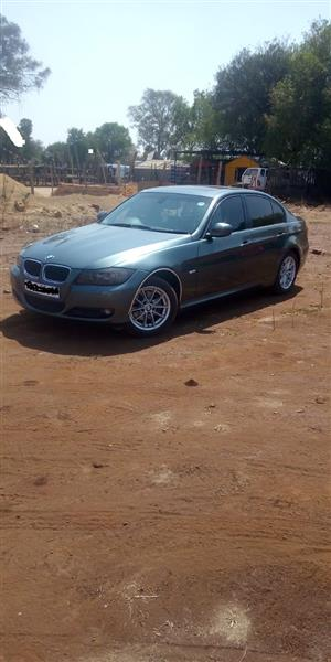 2010 BMW 3 Series 318i