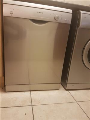Almost brand new Bosch dishwasher for sale