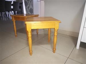 2 oak coffee tables