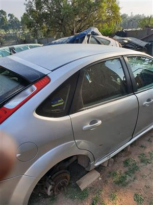 Ford Focus 2L TDCI used genuine parts STRIPPING