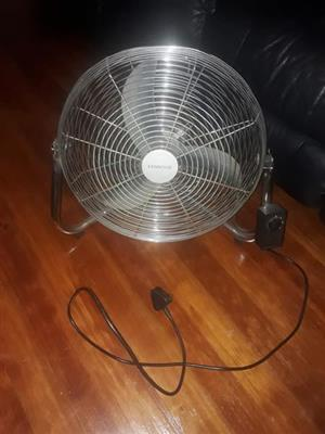 Desk fan for sale