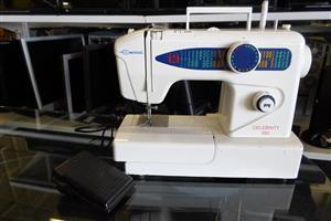 Empisal Celebrity 550 Sewing Machine