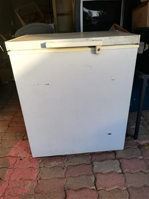 Defy 210 litre Deep Freezer