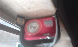 camera/Video camera (Red/Maroon)