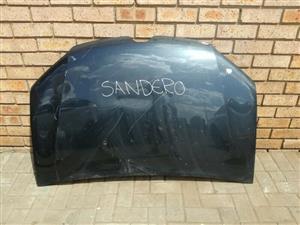 Renault Sandero Bonnet
