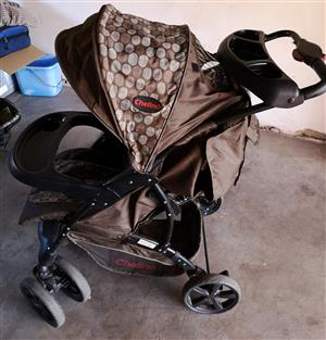 Chelino Pram and carseat  for sale