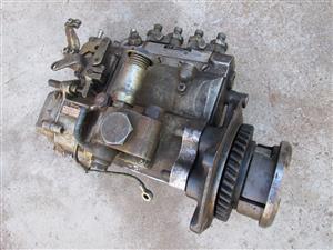 Diesel pump, pomp, Isuzu 190, used, in very good condition