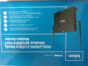 VDSl2/ADSL2+/Fibre ready wireless AC1200  4-port modem router with atenas and charger