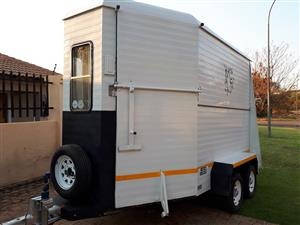 Double berth venter horsebox/horse trailer for sale