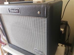 Fender G-dec Junior guitar amplifier